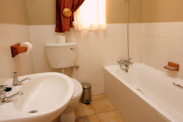 Palmhof Chalets Photo Gallery | Self-catering Chalets: One Bedroom