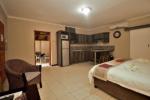 Interleading Family Units | Kakamas Accommodation | Palmhof Chalets